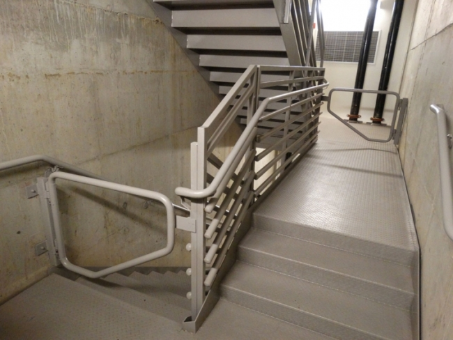 Pipe Rail. Stairs »